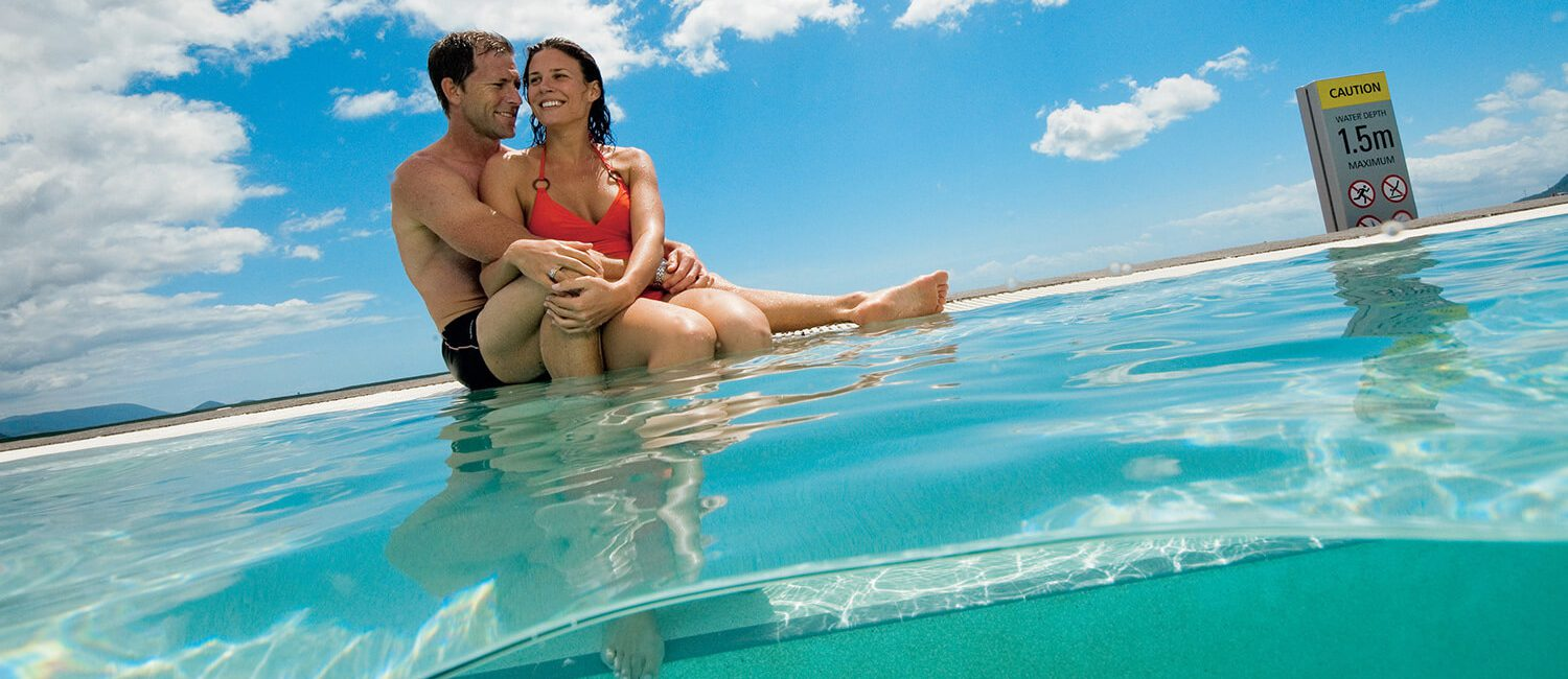 cairns-couple-at-lagoon_credit-tourism-and-events-queensland | Pacific Hotel Cairns